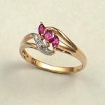 Кольцо золотое с бриллиантами и рубинами