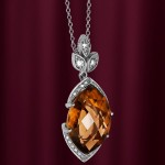 Золотой кулон с бриллиантами и раухтопазом