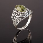 Кольцо серебряное. Змеевик